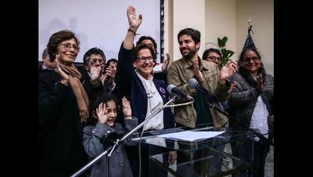 Villarán reconoce triunfo de Castañeda y ofrece ´transición responsable´
