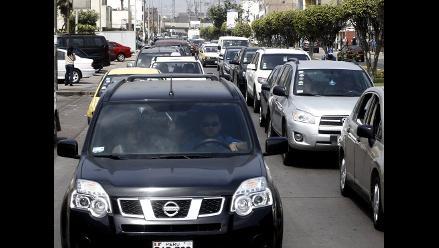 Caos vehicular por masivo desplazamiento de electores en Lima