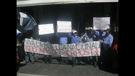 Arequipa: mil paquetes sin entregar por huelga en Serpost