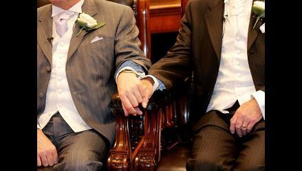 Supremo de EEUU suspende temporalmente el matrimonio gay en dos estados
