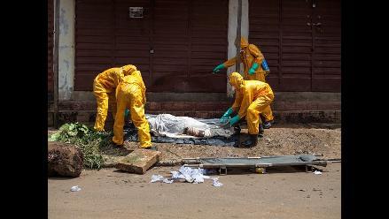 La OMS eleva a más de 8.000 los infectados por el virus del ébola