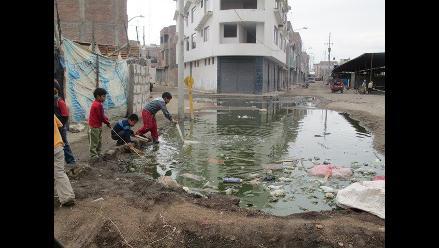 Aguas residuales ocasionan gran aniego en el centro de Tumbes