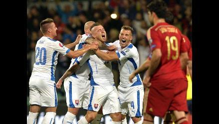 Eslovaquia vence 2-1 a España y lidera grupo C rumbo a la Eurocopa 2016