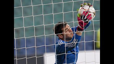Vicente Del Bosque defiende a Iker Casillas luego de caer con Eslovaquia