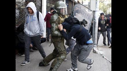 Violenta protesta estudiantil contra reforma educativa de Bachelet