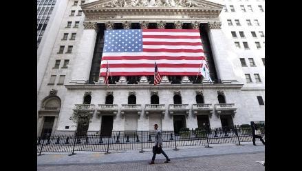 Wall Street abre a la baja ante preocupaciones por crecimiento global