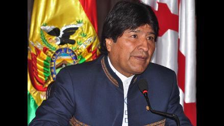 Evo Morales dedica su triunfo a Fidel Castro y Hugo Chávez