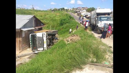 Loreto: linchan a chofer de camión recolector que aplastó vivienda