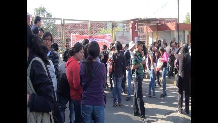Arequipa: estudiantes de la UNSA protestan por falta de laboratorios