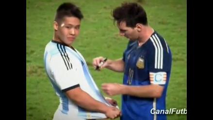 Hong Kong 0-7 Argentina: Messi firmó autógrafo en pleno partido