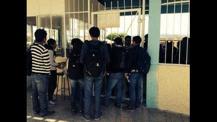 Estudiantes toman Universidad Nacional de Cajamarca