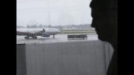 EE.UU.: Buscan a 132 pasajeros de avión que podrían tener ébola
