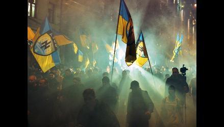 Recrudecen los combates en Ucrania en víspera de reunión Putin-Poroshenko