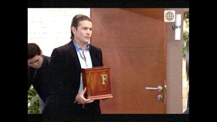 AFHS: Carlos Cabrera llega a Lima con una urna funeraria