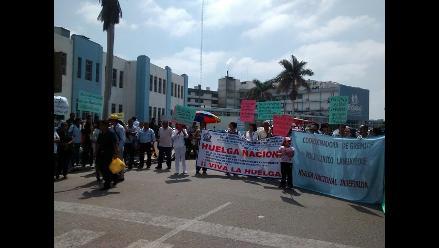 Arequipa: EsSalud reemplaza a administrativos en paralización