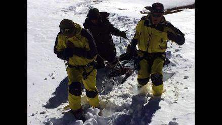 Nepal continúa búsqueda de montañistas desaparecidos en el Himalaya