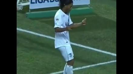 Ronaldinho: Así festejó bailando su gol de cabeza con el Querétaro