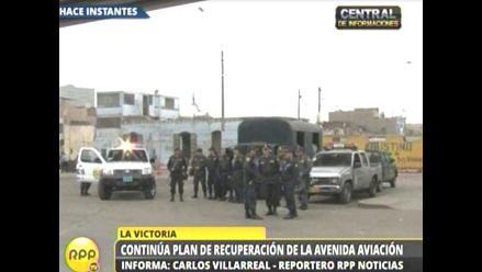 PNP resguarda los trabajos de recuperación de la avenida Aviación