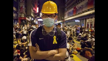 Manifestantes permanecen atrincherados en las calles de Hong Kong