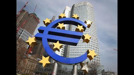 BCE inicia compra de bonos garantizados para reactivar economía