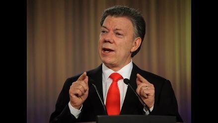 Santos invita al expresidente Uribe a conversar sobre proceso de paz