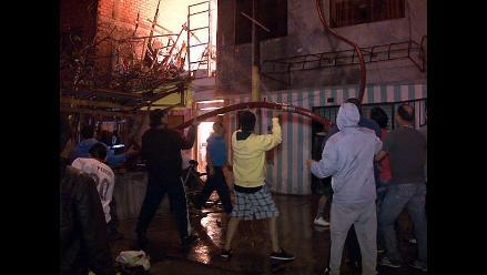Nuevo Chimbote: incendios reducen a cenizas quince viviendas