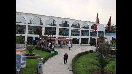 Pobladores bloquean frontis del municipio de Arequipa