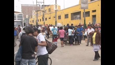 Ambulantes se retiran de alrededores de exmercado La Parada