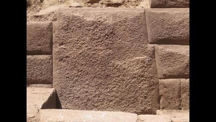 Piedra incaica de 13 ángulos es hallada en complejo arqueológico Inkawasi