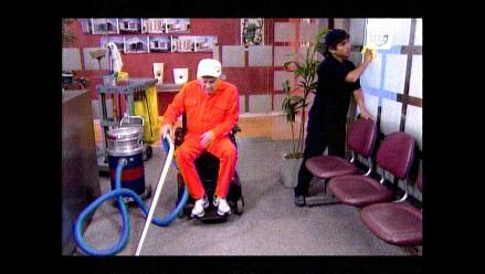 AFHS: Bruno consigue trabajo como empleado de limpieza