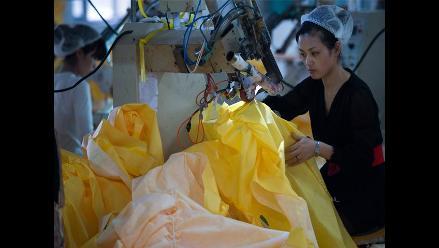 China: crean traje especial para médicos que atienden a infectados de ébola