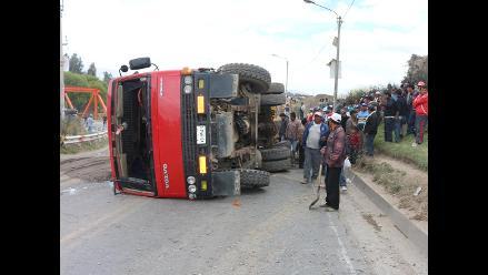 Cinco muertos y más de 20 heridos en un choque múltiple en Bolivia