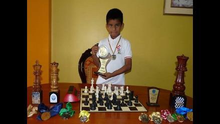Chiclayo: pequeño campeón de ajedrez pide ayuda para ir a Brasil