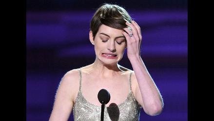 Anne Hathaway responde a polémica por ébola