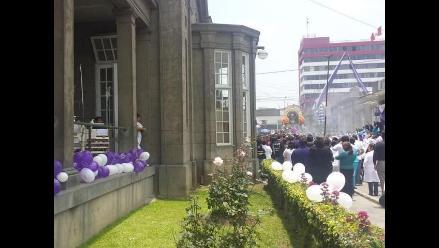 Señor de los Milagros recibió varios homenajes en el Hospital Loayza