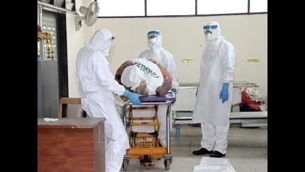 Chimbote: Minsa entrega trajes de protección contra el ébola