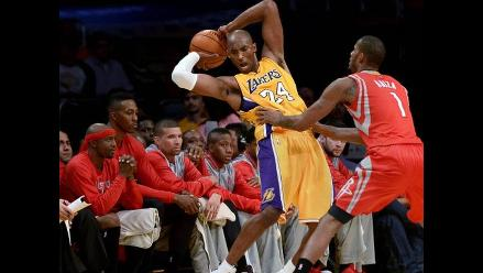 NBA: Kobe Bryant volvió con los Lakers y se peleó con Dwight Howard