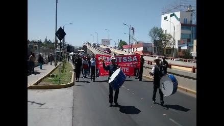 Trabajadores de Salud se movilizaron en la ciudad de Arequipa