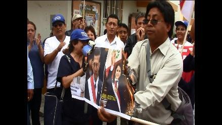 Lambayeque: trabajadores protestan al interior de hospital