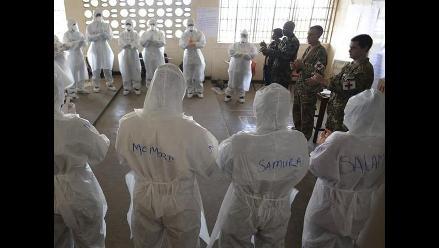 EEUU: Vuelve a clases niña vetada por miedo al ébola