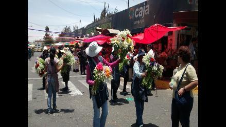 Arequipa: cementerios estuvieron abiertos desde las 5 de la mañana