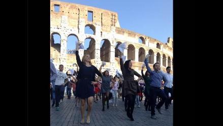 Flashmob de marinera en Roma hizo participar a peruanos y turistas