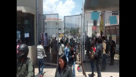 Cusco: estudiantes de Educación toman local de la UNSAAC