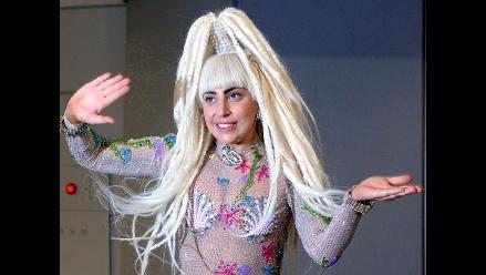 Lady Gaga se desnudó en otro concierto