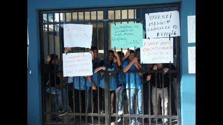 Cajamarca: escolares toman institución educativa San Ramón