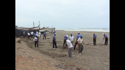 Pisco: realizan jornada de limpieza en playas de Paracas