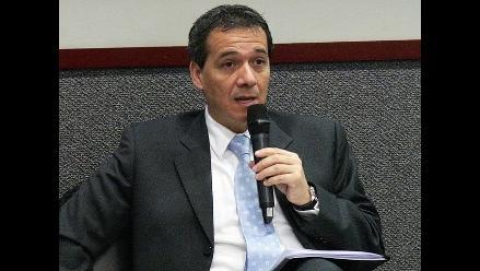 MEF: Emisión de bonos mejorará perfil de deuda peruana