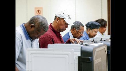 Mayoría de votantes en elecciones de EEUU insatisfechos con Obama