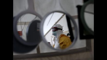 OMS rebaja a 4.818 los muertos por virus del ébola