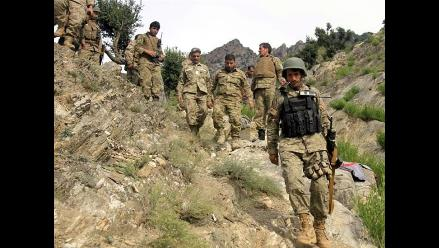 Afganistán: Nueve civiles y un policía ejecutados a tiros por talibanes